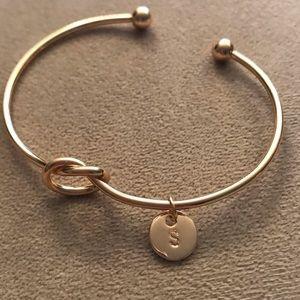 🆕Gold infinity knot adjust cuff A charm bangle